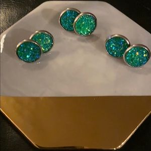 Jewelry - SALE 5/$15 Round green sparkle  earrings!